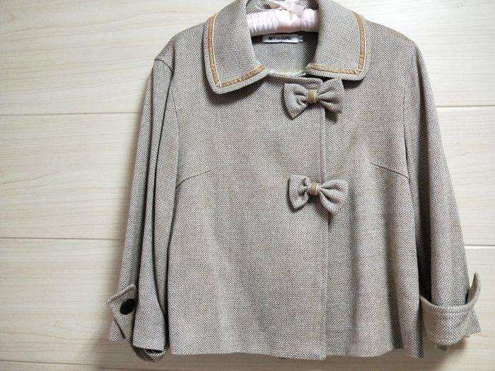 丹丹衣坊--日款風衣式蝴蝶結毛料短外套