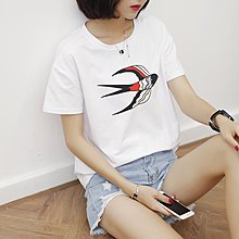 =EF依芙=韓國首爾 時尚精品 東大門同步 夏季新款韓版胖mm時尚燕子印花圓領短袖T恤 大碼女裝17828