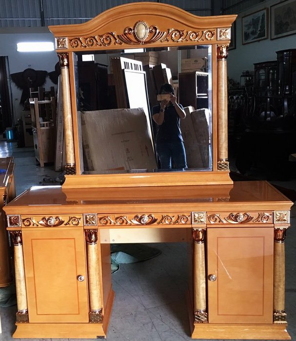 大高雄二手貨中心(收購+買賣)---【全新】 歐式  巴洛克式  古典宮廷風  化妝台  鏡台  便宜出售