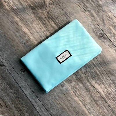 Gucci 香水櫃台贈品 湖藍綠磁扣化妝包