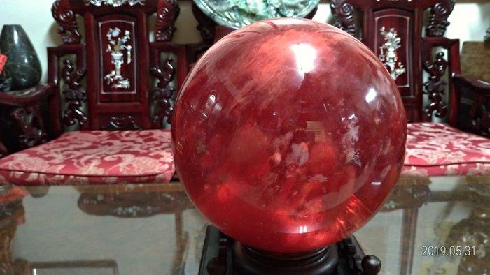 大顆紅兔毛水晶球/直徑23公分/重量14公斤/底座1.3公斤高15公分寬23公分深23公分/全館商品滿5件或滿6000元