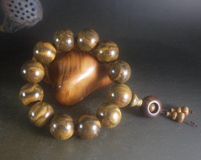 花棋楠   20 mm -12顆 轉運手珠 -  天然帶花蜜香味 有沈香般的紋理 K784