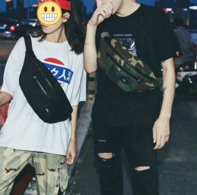 琳達購物中心-香港代購-港風男女大容量胸包-多功能情侶款時尚百搭休閒運動側背包