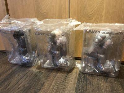 實品分享 KAWS passing through 咖啡/灰/黑 公仔 be@rbrick together