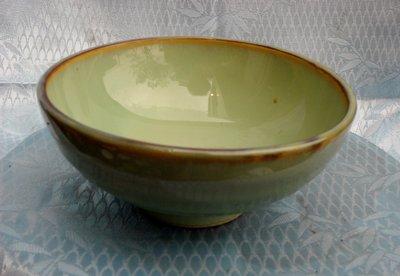 紫色小館4-----日據時代手拉坯碗(高6公分.直徑11.5公分)