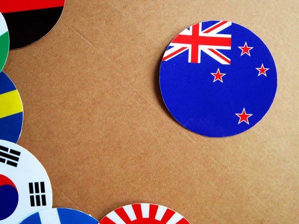 【衝浪小胖】紐西蘭國旗圓形登機箱貼紙/抗UV防水/New Zealand/世界多國款可客製