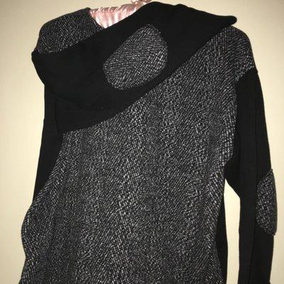 二手韓國服飾 袖子補丁 黑色保暖刷毛寬鬆上衣