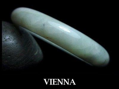 《A貨翡翠》【VIENNA】《手圍20/14mm版寬》緬甸玉冰種聖地蜜白糖點花葉/玉鐲/手鐲D-031