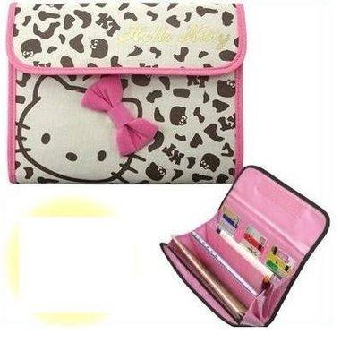 【小糖雜貨舖】日本 母子手帳冊 收納健保卡 信用卡 寶寶寫真卡 存摺 硬幣 照片 - Hello Kitty 豹紋蝴蝶結