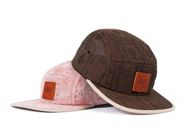 { POISON } LESS LEATHER SQUARE LOGO CAMP CAP 皮格提花料 五片帽