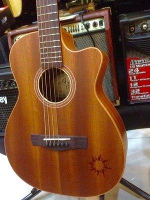 【優質推薦】AYERS TO-03C 迷你小太陽 全單板 旅行吉他(taylor/matin