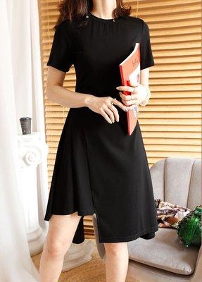 . NL Select Shop . 設計感休閒連身裙 黑色顯瘦洋裝 法式復古不規則裙子 歐美韓國 小禮服