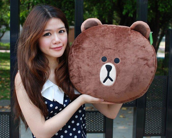 拉拉小站~可愛熊大抱枕~ 正版LINE~熊大頭枕~熊大午安枕/車枕~熱門商品