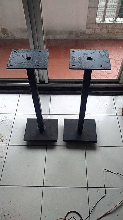 自製訂做喇叭架割愛上輕下重三點立足銅錐腳--精心合理設計--如4張照片所示總重約8公斤--有點鏽斑(翻新加400元工本)
