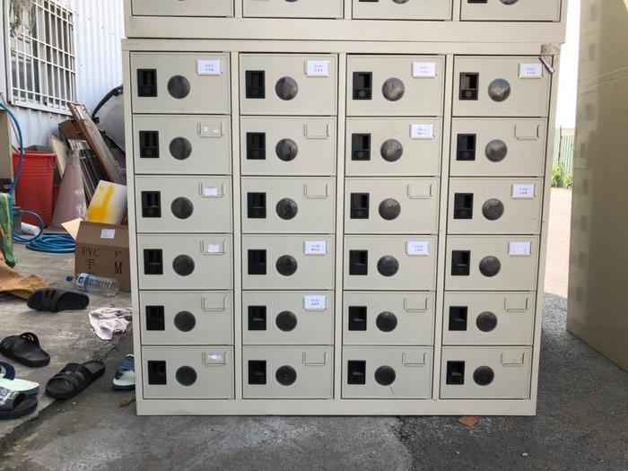 大高雄冠均二手貨家具(買賣)---24格    鞋櫃     24格收納櫃     24格鐵櫃   內務櫃    鐵櫃