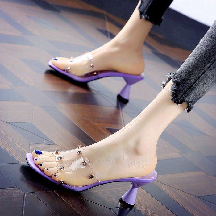 Fashion*韓版露趾粗跟一字拖鞋 舒適中跟涼鞋 外穿氣質鉚釘高跟鞋涼拖