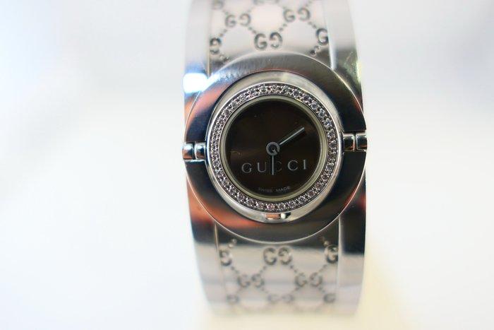 [吉宏精品交流中心]GUCCI 古馳 不鏽鋼 原鑲鑽石 翻面 手環 石英 時尚 女錶