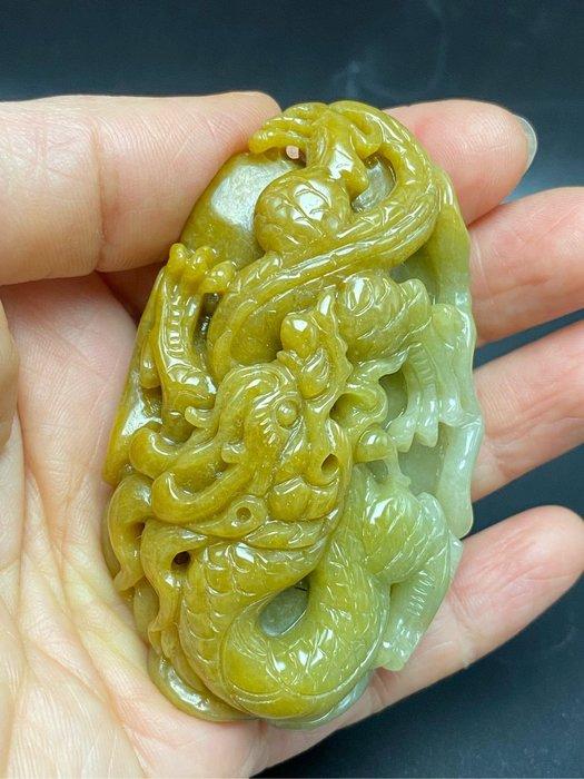 【御寶齋】--{龍行天下把件}--天然翡翠玉、蜜糖黃種褐黃色、獨料精雕...// 廣告價第一標 //
