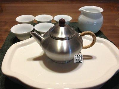 水平壺標準壺錫壺錫器錫製品 馬來西亞木鈕錫壺 馬來西亞錫罐 醒酒器(約160cc)