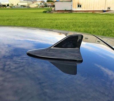 圓夢工廠 Toyota Altis 9代 10代 11代 2010~2018 鯊魚鰭 改裝飾貼 烤漆黑 烤漆銀 烤漆白