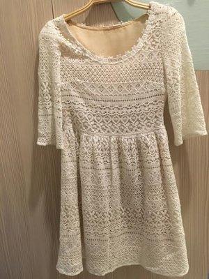 小花別針、專櫃【BE RADIANCE 】蕾絲五分袖氣質洋裝
