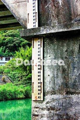 台灣圖片.照片出租.河川橋樑刻度.專業攝影師拍攝.想租多少價格.你決定專案.