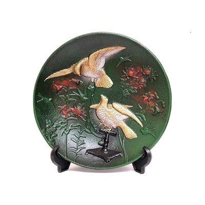 日本【高岡銅器】飾皿 雙鷹 鐵製雕像 擺飾品 立盤 置物 手工鑄造~工藝品家飾品藝術品~日本製 文房書房酒櫃