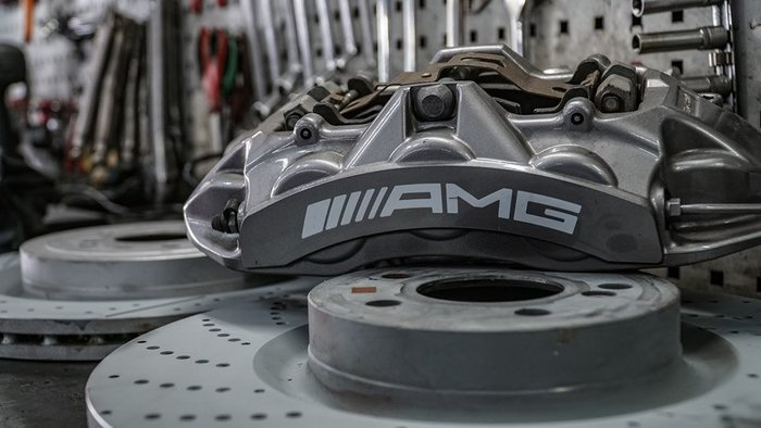 國豐動力 W205 C63 C43 GLC C300 C250 AMG 原廠煞車系統 現貨供應 前六活塞 含 後面 只有行駛1000公里