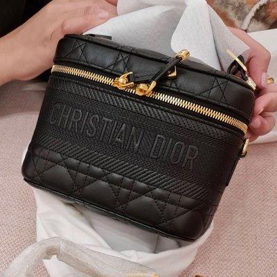 [非現貨,英國代購直郵台灣✈️]Dior Small Diortravel Vanity Case 小號 小羊皮 化妝箱包 18.5cm