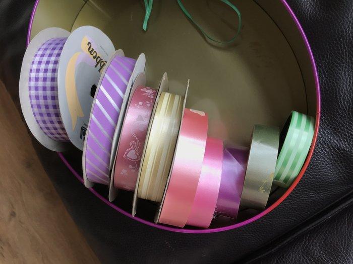 塑膠亮面緞帶(花束緞帶/禮品緞帶/蝴蝶結/婚禮布置/禮品包裝)-9捲一起一元起標