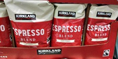 好市多KIRKLAND柯克蘭精選咖啡豆907克=2磅(紅包裝深度烘培,包裝上寫星巴克代工烘培) (0利潤,每單限購5包)