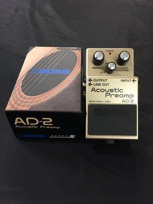 《民風樂府》BOSS AD-2 最新款 Acoustic Preamp 電木吉他專用的前級單顆 錄音室品質 自然的木吉他
