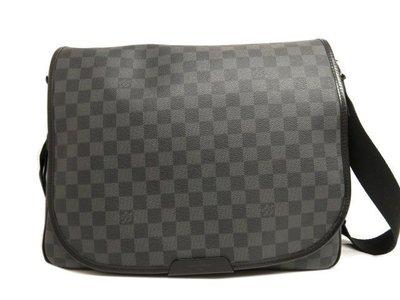 專櫃真品LV Louis Vuitton 經典N58029 黑格紋 新款王建民包 全蓋斜背包 書包 郵差包 附購買證明