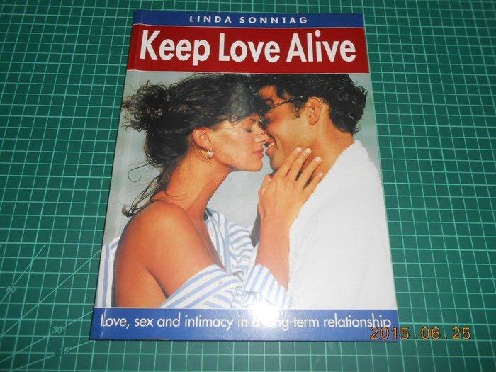 《 LINDA SONNTAG KEEP LOVE ALIVE》ISBN:0600576469【CS超聖文化2讚】