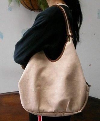 **錢瑜**電腦刺繡&拼布手作*三層肩背包紙型!!!