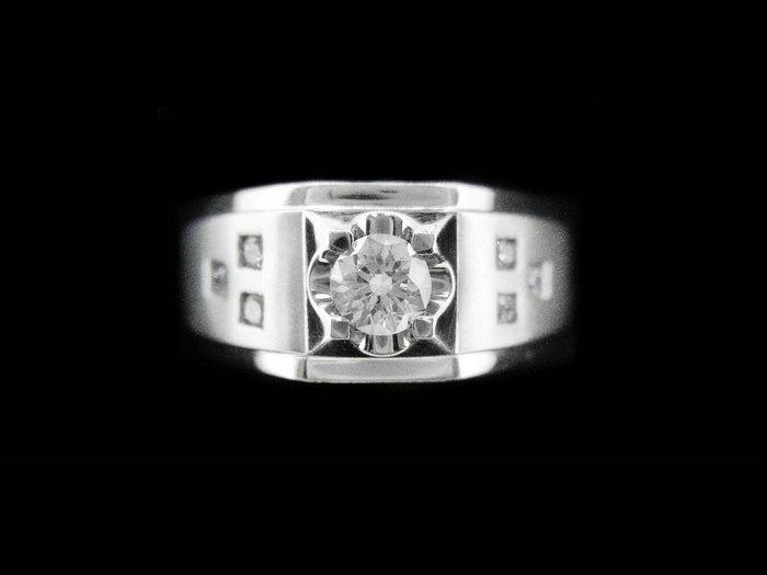 (賀成交)天然鑽石 造型男戒 0.51CT