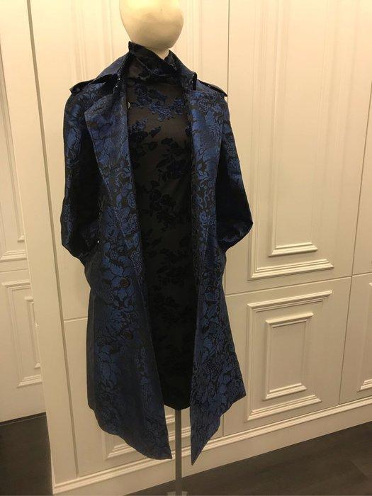 Burberry 藍色風衣