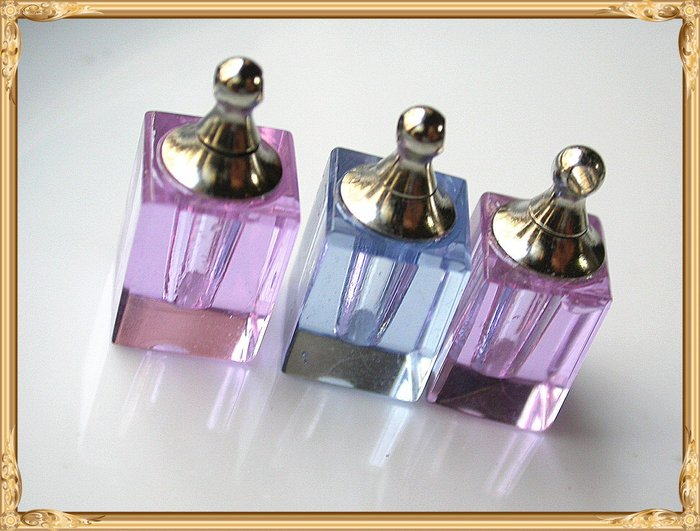 【雅之賞 藏傳 佛教文物】特賣*水晶瓶 /香水瓶 /舍利瓶 (3個) 吊飾 (附膠皮繩)~Q469