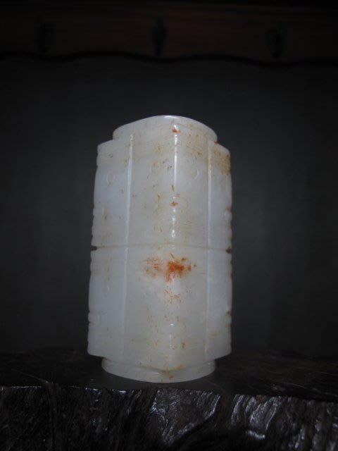 和闐玉雕 ◎ 硃砂沁 白玉琮