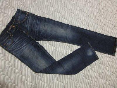(抓抓二手服飾)  UNIQLO  牛仔長褲  近全新   W32