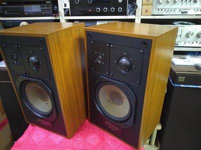 德國GRUNDIG 660B 6吋3音路書架喇叭 品項很漂亮 無修改 一手家用