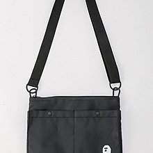 日本雜誌附錄款 BAPE 猿人頭  黑色斜背包 肩背包 休閒百搭側背包 收納包 男女皆適用