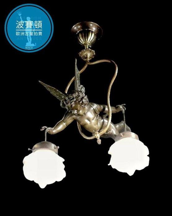 【波賽頓-歐洲古董拍賣】歐洲/西洋法國古董 拿破崙三世風格 手工白色鬱金香玻璃燈罩青銅天使吊燈/燭台2燈  (吊燈高度:60公分;天使長度:28公分)(已售出)