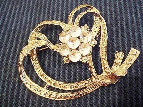 全新美國帶回復古銀色精細雕刻鑲珠心型設計別針胸針,低價起標無底價!本商品免運費!