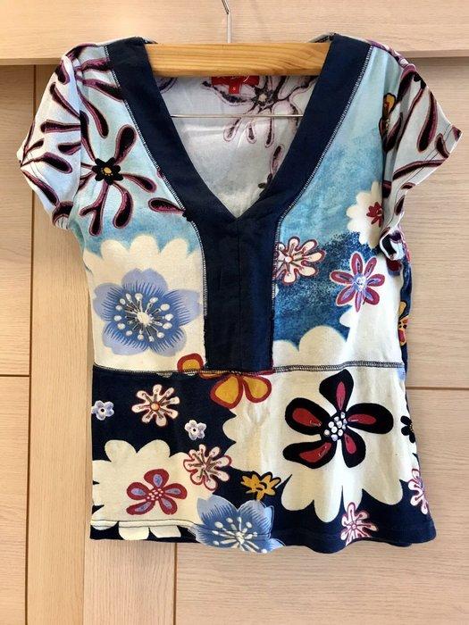 法國品牌DERHY 花朶v領短袖上衣
