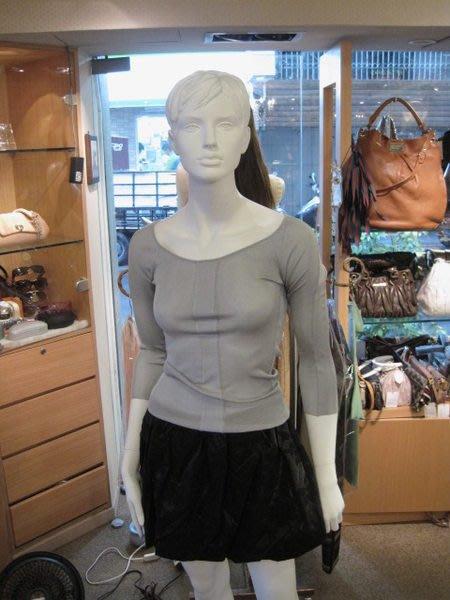 *旺角名店* 全新 Moschino 黑色混紡金紗黑絨花紋 泡泡短裙 小禮服 限量訂製