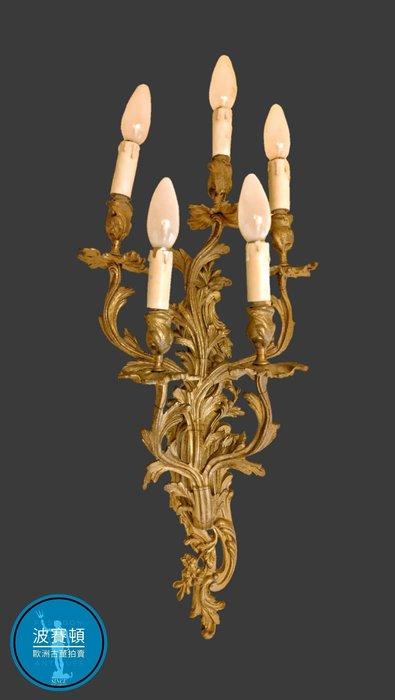 【波賽頓-歐洲古董拍賣】歐洲/西洋古董 意大利古董 洛可可風格 意大利大型青銅天使壁燈/燭台5燈 (尺寸:高77×寬30×深18公分)(年份:約1900年)
