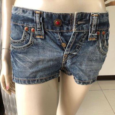 Levi's 雙層口袋紅銅釦牛仔短褲熱褲 ~AJ衣飾3w-2-18