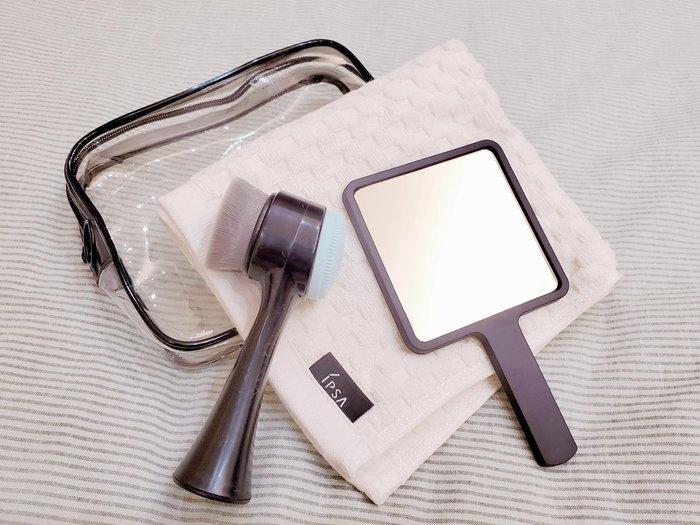 【Q寶媽】IPSA 茵芙莎 手拿鏡 品牌毛巾 雙頭洗臉刷 防水小包 輕旅盥洗組 限定品