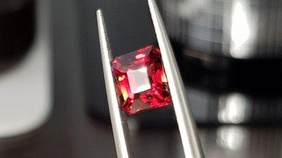揚邵一品超級閃2.51克拉 鴿血紅紅石榴石 ,媲美鴿血紅寶石 紅尖晶石 斯里蘭卡 馬達加斯加